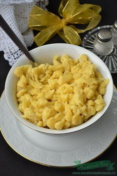 Cum se prepara Galuscute din faina-Nokedli.Cum se prepara Nokedli.Reteta Galuscute din faina.Galuscute din faina, galuscute unguresti cu tocanita de pui Macaroni And Cheese, Foodies, Side Dishes, Food And Drink, Ethnic Recipes, Romanian Recipes, Mac And Cheese, Side Dish