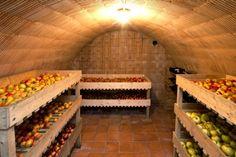 Un bon fruitier, dans une cave bien fraiche et humide, pour la conservation des fruits