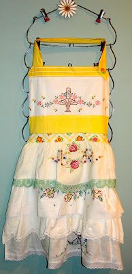 My Vintage Mending: UCreate with Me Apron...Vintage Style