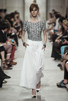 Chanel Cruise Collection 2014. Fotos © Chanel. #elle_de #dress