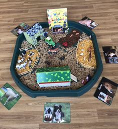 What the Ladybird Heard Small World – Lady Bird Activities – toddlerrom Eyfs Classroom, Classroom Displays, Physics Classroom, Toddler Play, Toddler Activities, What The Ladybird Heard Activities, Nursery Display Boards, World Farm, Story Sack
