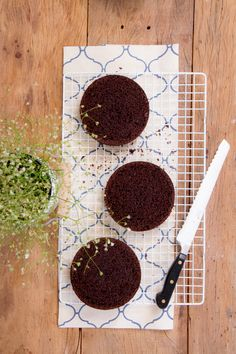 Mini Naked Cake de Nutella | Vídeos e Receitas de Sobremesas Nutella, Nake Cake, Café Espresso, Chocolate, Homemaking, Mini, Cooking, Desserts, Food