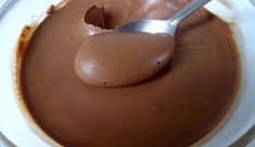 Delicious and Healthy Homemade Chocolate for Kids No Bake Desserts, Easy Desserts, Dessert Recipes, Healthy Chocolate, Homemade Chocolate, Chocolate Cream, Delicious Chocolate, Good Food, Yummy Food