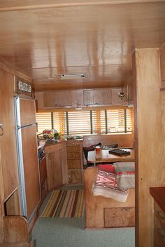 1968 Ken-Craft Vintage Trailer This is what I'm looking for! Vintage Rv, Vintage Caravans, Vintage Travel Trailers, Vintage Campers, Caravan Living, Rv Living, Diy Camper, Camper Ideas, Camper Renovation