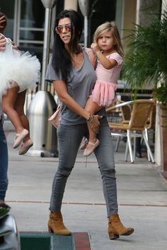 Kourtney Kardashian Photos - Kourtney Kardashian Takes Penelope and North to Ballet - Zimbio
