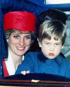 Princess Diana and William returning from a birthday celebration for Queen Elizabeth II, her William was upset because he had wanted to stay at Windsor Castle. Diana seems so patient with his 'pout' face. Lady Diana Spencer, Diana Son, Princess Kate, Princess Of Wales, Close Up, Old Prince, Young Prince, Prinz William, Princess Diana Pictures