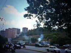 Arremetida de la PNB contra habitantes de Las Minitas en Baruta se intensifica (Fotos)