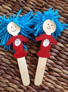 House of Brown: Puppets Thing 1 & Thing 2 - Thing One and Thing Two are my perso. House of Brown: Dr Seuss Activities, Craft Activities, Preschool Crafts, Sequencing Activities, Preschool Kindergarten, Reading Activities, Craft Stick Crafts, Fun Crafts, Crafts For Kids