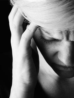Es fühlt sich an, als würde der Kopf zerspringen. Das einfachste Mittel gegen Migräne haben wir alle zuhause.