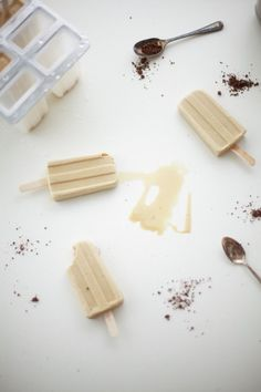 milky vietnamese coffee popsicles by coco cake land