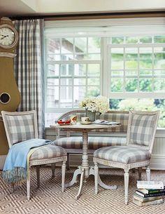BOISERIE & C.: 5 motivi per vestire a quadretti casa