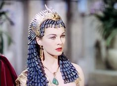 Vivien Leigh, Caesar and Cleopatra, 1945 Vintage Hollywood, Hollywood Glamour, Hollywood Stars, Classic Hollywood, Vivien Leigh, Caesar And Cleopatra, Egyptian Fashion, Egyptian Costume, Photo Vintage