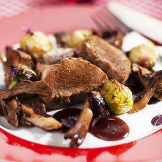 Mézes-áfonyás szűzérme recept Sprouts, Vegetables, Food, Essen, Vegetable Recipes, Meals, Yemek, Veggies, Eten