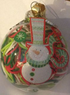 Snowman ornament, Rainbow Loom gift idea, refill, Rainbow Loom bands and 2 enamel charms. Made by SBeal Christmas Things, Christmas 2016, Christmas Projects, Holiday Crafts, Christmas Ideas, Craft Gifts, Diy Gifts, Snowman Ornaments, Christmas Ornaments