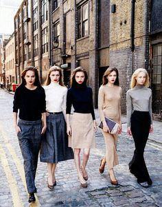Fall Neutrals - do we think they made these girls resemble Angelina? Look Street Style, Street Chic, 90s Fashion, Fashion Models, Womens Fashion, Miami Fashion, Fashion Black, Vintage Fashion, Looks Style