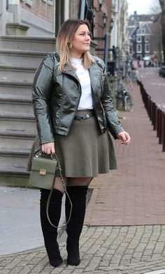 85 Stylish Plus Size Fashion Outfits Ideas For Women That You Can Try - ClothinLine Plus Size Fall Outfit, Plus Size Fall Fashion, Dress Plus Size, Plus Fashion, Plus Size Winter Clothes, Plus Size Winter Outfits, Plus Size Going Out Outfits, Plus Size Mini Skirts, Trendy Fashion