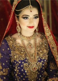 Love the colour contrast Pakistani Bridal Wear, Pakistani Wedding Dresses, Bridal Dresses, Bridal Makeup Looks, Bridal Looks, Bridal Style, Pakistan Bride, Pakistan Wedding, Asian Bridal