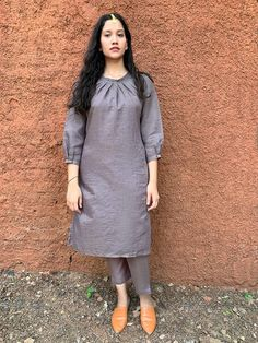 Ladies kurta : Buy Designer Womens kurtis Online - The Loom Kurti Sleeves Design, Sleeves Designs For Dresses, Neck Designs For Suits, Kurta Neck Design, Dress Neck Designs, Blouse Designs, Simple Kurta Designs, Silk Kurti Designs, Kurta Designs Women