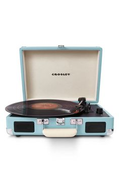 Enjoy vinyl sound and mobile convenience with the Crosley Radio Cruiser portable turntable. This three-speed, briefcase-style turntable lets you experience the sound of vinyl wherever you want to hear it. Vintage Stil, Vintage Love, Retro Vintage, Retro Baby, Vintage Music, Vintage Industrial, Industrial Design, Vintage Photos, Vintage Items