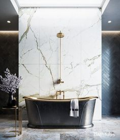 35 Inspiring Unique Bathroom Ideas That You Should Try – The bathroom is one of the most visited rooms in your home. This room is often the place where you get ready for an event or unwind after a long hard … Bathroom Light Fixtures, Bathroom Lighting, Home Interior, Bathroom Interior Design, Custom Home Builders, Custom Homes, Design Loft, Life Design, Design Design