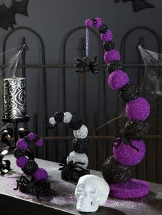 This looks easy enough to DIY. ---------------goosebump tree amazing black and purple decor. these would be awesome as centerpieces for my halloween wedding hallowedding Purple Halloween, Theme Halloween, Halloween Kostüm, Halloween Birthday, Halloween Projects, Diy Halloween Decorations, Holidays Halloween, Halloween Pumpkins, Halloween Centerpieces
