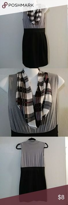 """Dress w/ built in scarf 33"""" length polyester/rayon blend elastic waist. Brand: Ice Vanilla. Great condition. Dresses Midi"""