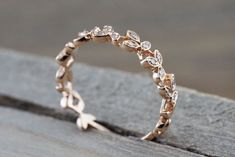 14 kt Rose Gold Diamond Leaf Petal Vine Vintage Design Rope Classic Milgrain Etching Eternity - Brilliant Facets ring boho fashion for teens vintage wedding couple schmuck verlobung hochzeit ring Ring Set, Ring Verlobung, Leaf Ring, Diy Schmuck, Schmuck Design, Cute Jewelry, Jewelry Accessories, Jewelry Ideas, Jewelry Rings