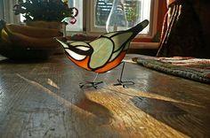 Sittelle vitrail oiseau suncatcher par CottageyCreations sur Etsy