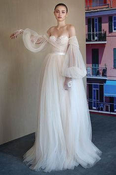 """23 Unconventional Wedding Dress Styles That Are Pure Eye Candy 23 Unconventional Wedding Dress Styles That Are Pure Eye Bride] Puff Sleeve Wedding Gowns """"The doubled-up sleeves on this Galia Lahav piece kind. Maggie Sottero Wedding Dresses, Wedding Dresses With Straps, Wedding Dress Trends, Wedding Dress Styles, Bridal Dresses, Wedding Gowns, Wedding Lace, Wedding Dress 2018, Colorful Wedding Dresses"""