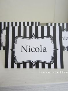 Fioreria Oltre/ Black and white party place card