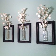 DIY Wanddeko diy decoration: frames with vases. The post DIY Wanddeko appeared first on Flur ideen. Hanging Picture Frames, Old Picture Frames, Hanging Pictures, Wall Decor With Pictures, Picture Frames On The Wall Stairs, Pictures For Bathroom Walls, Cadre Photo Diy, Diy Photo, Picture Photo