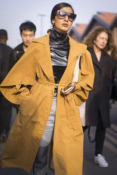 Best Street Style at Milan Fashion Week Fall 2017 | POPSUGAR Fashion Photo 110