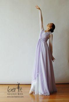 Berit worship dancewear ♡ 아름다운 워십복 베리뜨 ♡ 워십의상 칸타타드레스 worshipdress Worship Dance, Praise Dance, Dance Wear, Ministry, Sewing, Formal Dresses, How To Wear, Fashion, Suits
