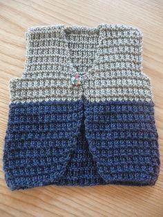 Ravelry: Project Gallery for Petits cashmere - Gilet en côtes brisées pattern… Crochet Baby Sweater Pattern, Crochet Baby Jacket, Baby Sweater Patterns, Baby Dress Patterns, Crochet Baby Clothes, Crochet Cardigan, Baby Boy Vest, Baby Cardigan, Single Crochet Stitch