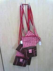 Shweswe and leather shoulderbags. Leather Products, Designer Wear, Leather Fashion, Leather Handbags, Fashion Accessories, Wallet, How To Wear, Leather Totes, Purses