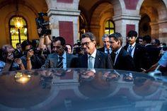 Joan Maria Piqué (dreta, ulleres blanques), cap de premsa i comunicació del president de la Generalitat de Catalunya, Artur Mas. #compol #compolin #spindoctors