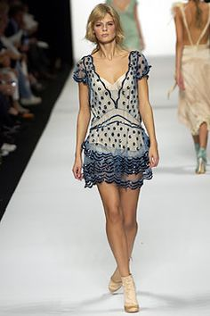 Marc Jacobs Spring 2004 Ready-to-Wear - Collection - Gallery - Style.com