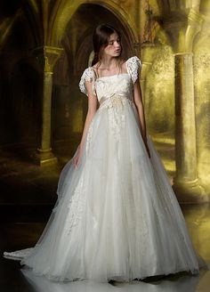 松尾のウェディングドレス、メンズフォーマルウェアのサイト。各種 ブランドの取扱店案内、会社案内等。ウェディングドレス、タキシードetcウェ