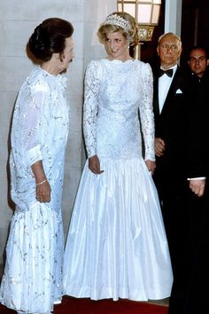 November 10, 1985: Princess Diana with Lady Wright at a banquet at the British Embassy in Washington, D.C., USA.