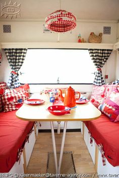 camper dining area