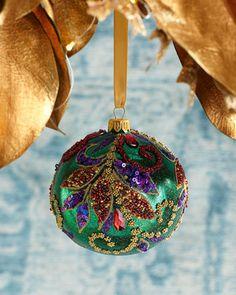 Beaded Christmas Ornaments, Ball Ornaments, Christmas Diy, Christmas Decorations, Holiday Decor, Godiva Chocolatier, Christmas Fashion, Beautiful Christmas, Gifts