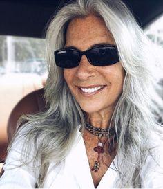 Résultats de recherche d'images pour « long grey hair styles over 50 Grey Hair Over 50, Long Gray Hair, Grey Wig, Silver Grey Hair, Silver Ombre, Grey Hair Styles For Women, Short Hair Older Women, Older Women Hairstyles, Trendy Hairstyles