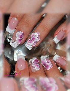 Stylish Nail art by Afrina Beauty Salon  #AfrinaBeauty #beautysalonUAE #Mirdiff #AfrinaBeautySalon #Dubai #Sharjah #nail #nailart #naildesign