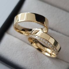 Indian Wedding Rings, Classic Wedding Rings, Gold Rings Jewelry, Jewelery, Bridal Rings, Wedding Ring Bands, Couple Ring Design, Ring Design For Man, Wedding Rings Sets His And Hers