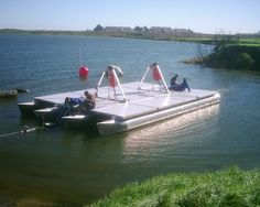 How come you can't buy a folding trailerable pontoon barge? Small Pontoon Boats, Kayak Boats, Small Boats, Pontoons For Sale, Barge Boat, Floating Architecture, Rio, Boat Design, Design Net