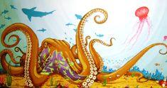 Eu sempre achei demais os polvos e carpas de Binho Ribeiro nas ruas de Sampa, um dos principais nomes do street art mundial e um dos pioneiros no Brasil e América Latina. Além de seu trabalho autoral, Binho já trabalhou comercialmente paraNescau, Ford, Motorola, Red Bull, Skol e por aí vai.
