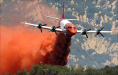 Dousing Fire retardant on California wildfires - Pixdaus