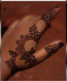 Modern Henna Designs, Rose Mehndi Designs, Latest Henna Designs, Henna Tattoo Designs Simple, Stylish Mehndi Designs, Full Hand Mehndi Designs, Mehndi Designs For Beginners, Mehndi Design Photos, Wedding Mehndi Designs