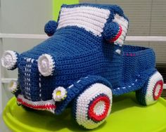 pattern by Caloca Crochet - Vintage Pickup Truck