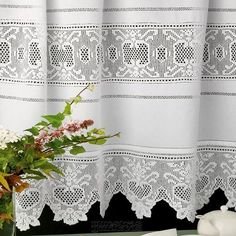 This post was discovered by Se Filet Crochet, Crochet Borders, Crochet Chart, Crochet Stitches, Crochet Patterns, Cute Curtains, Crochet Curtains, Pop Up Shop, Kiosk Design